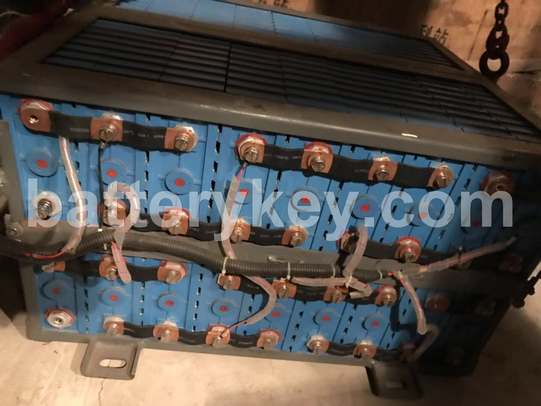 合作采购电动公交车锂电池底盘